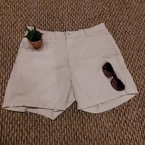 Vineyard Vines Khaki Shorts